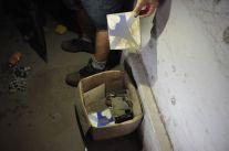 Caixa com azulejos originais que compõem a fachada do Cine Iracema